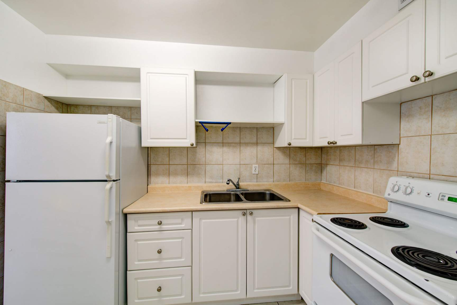 Studio / Bachelor Apartments for rent in Toronto at Redpath Tower - Photo 12 - RentersPages – L400652