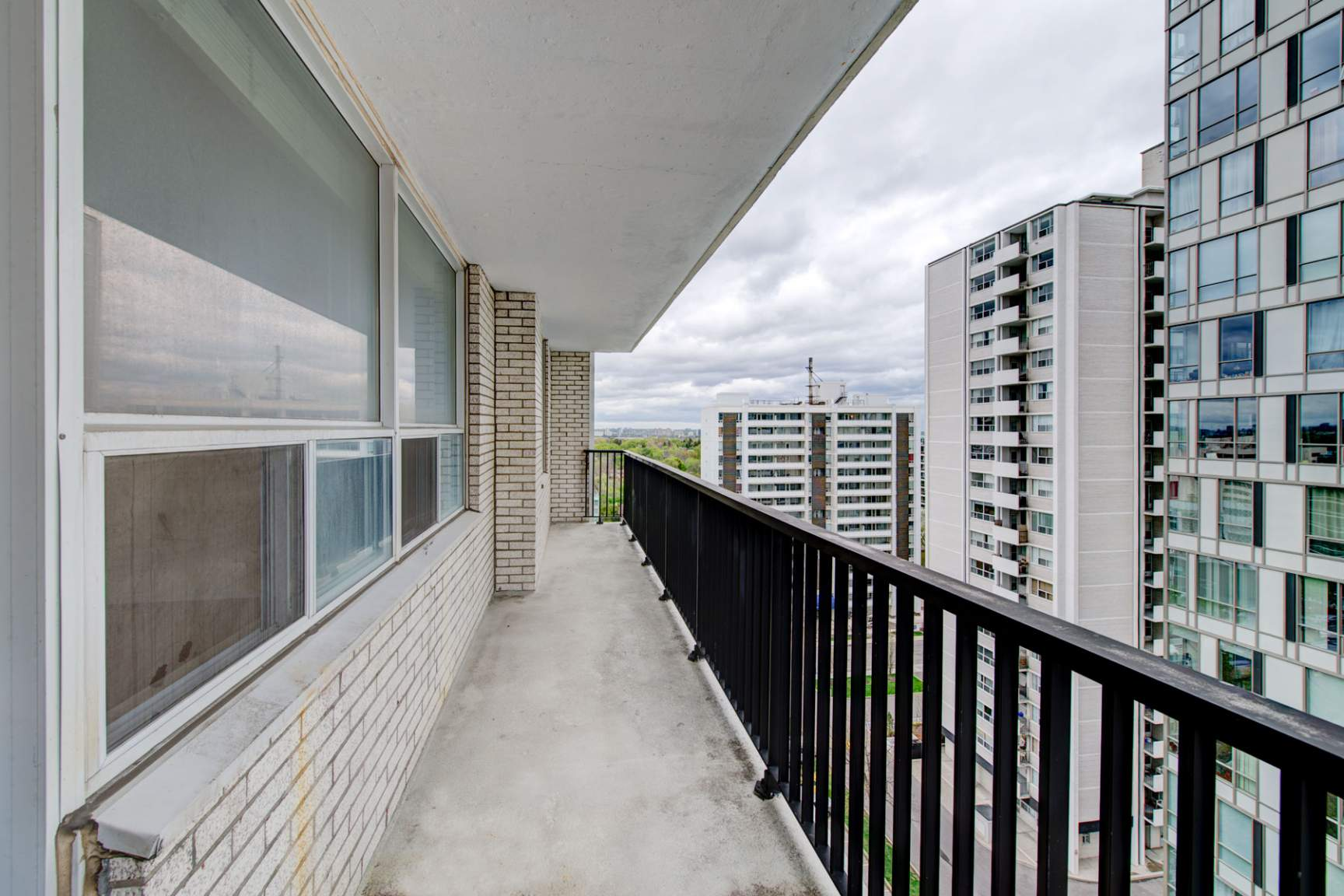 Studio / Bachelor Apartments for rent in Toronto at Redpath Tower - Photo 16 - RentersPages – L400652