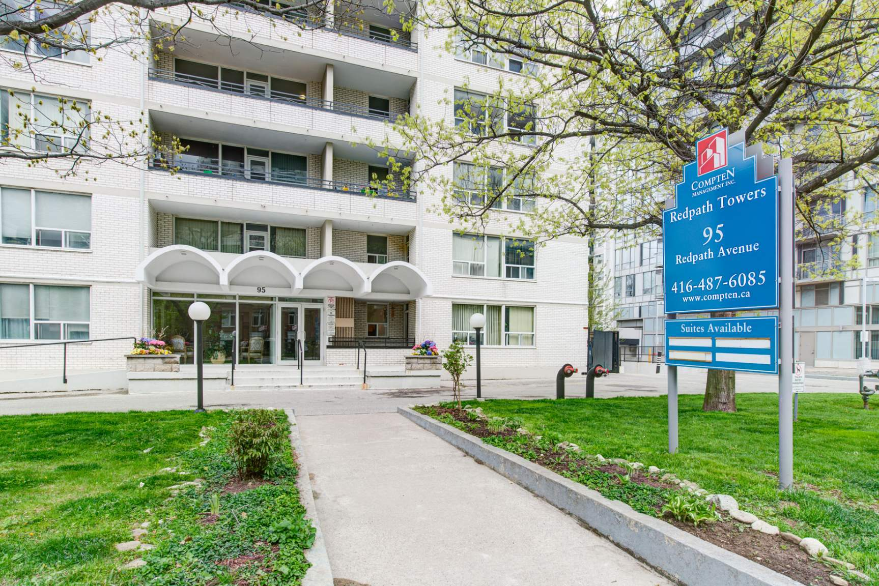 Studio / Bachelor Apartments for rent in Toronto at Redpath Tower - Photo 02 - RentersPages – L400652