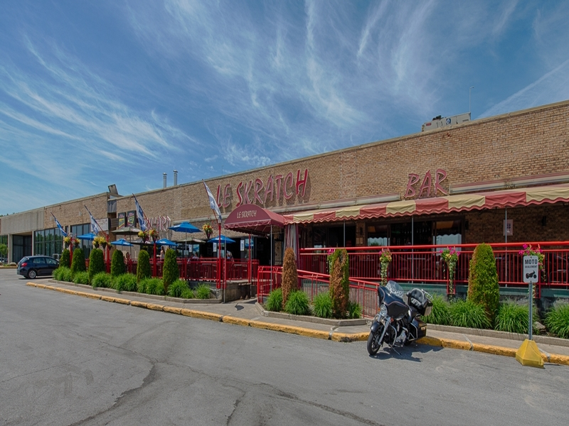 Shopping center for rent in Repentigny at Place-Repentigny - Photo 02 - RentersPages – L181015
