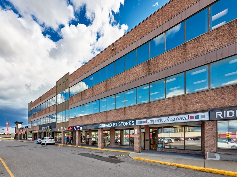 Strip mall for rent in St. Leonard at Carrefour-Carnaval-St-Leonard - Photo 07 - RentersPages – L181057