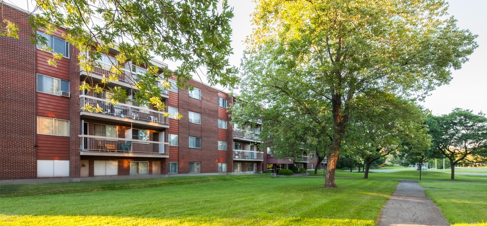 1 bedroom Apartments for rent in Laval at Papineau Leblanc - Photo 01 - RentersPages – L9529