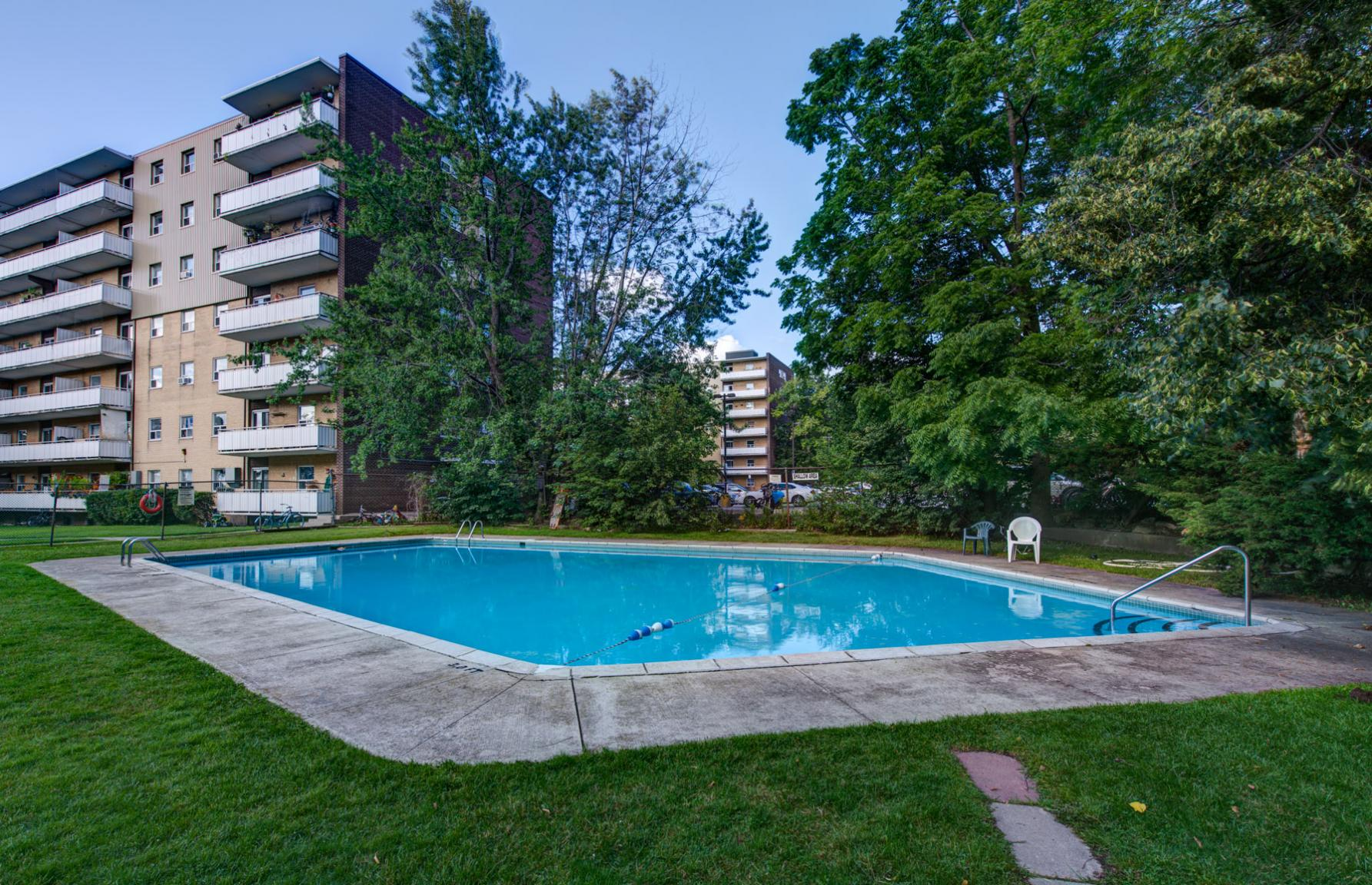 Studio / Bachelor Apartments for rent in Etobicoke at Lake Promenade Community - Photo 25 - RentersPages – L168089