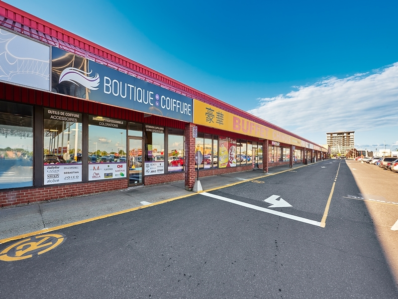 Strip mall for rent in Drummondville at Centre-Carnaval-Drummondville - Photo 01 - RentersPages – L181565