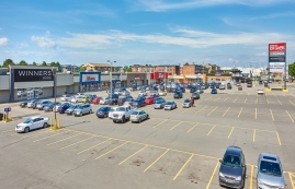 Strip mall for rent in Levis at Kennedy-Place - Photo 01 - RentersPages – L182899