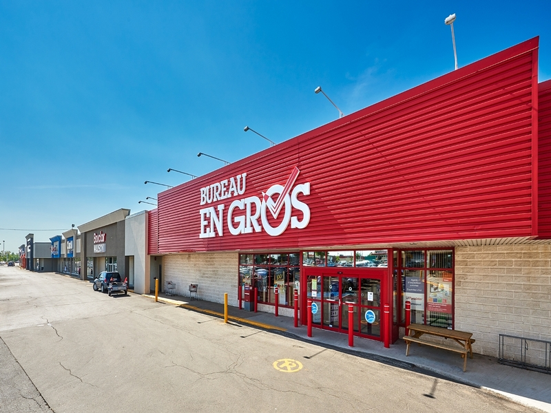 Strip mall for rent in Levis at Kennedy-Place - Photo 02 - RentersPages – L182899