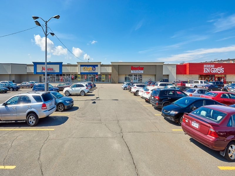 Strip mall for rent in Levis at Kennedy-Place - Photo 03 - RentersPages – L182899