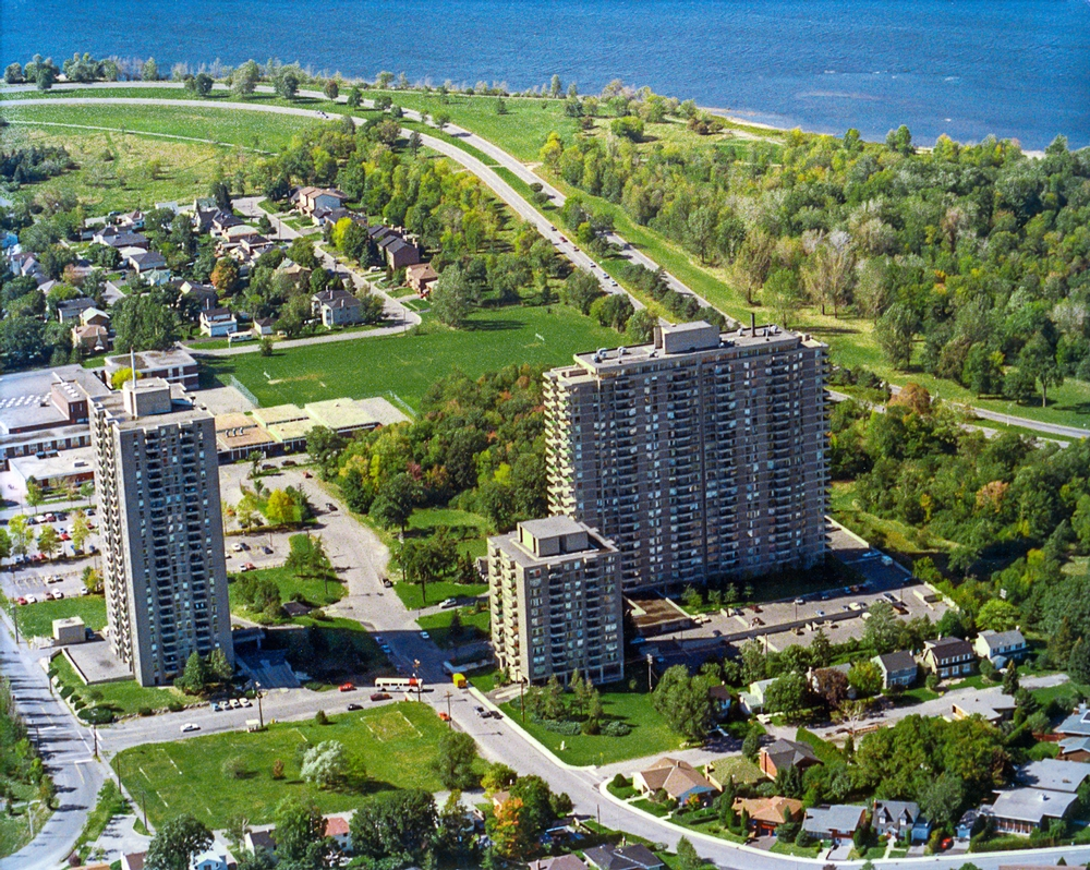 Studio / Bachelor Apartments for rent in Ottawa at Island Park Towers - Photo 04 - RentersPages – L23643