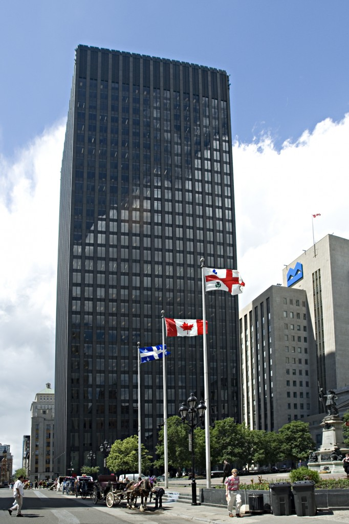 General office for rent in Montreal (Downtown) at 500 Place D'Armes - Photo 02 - RentersPages – L12775