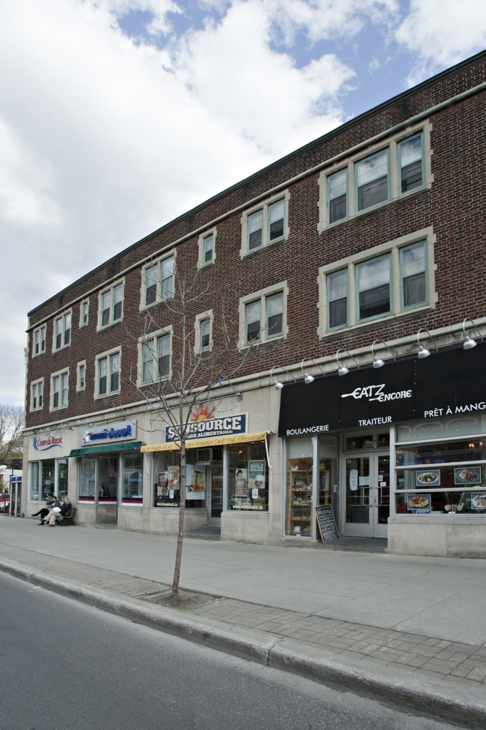 General office for rent in Westmount at 4814-4824 Sherbrooke West - Photo 01 - RentersPages – L12808