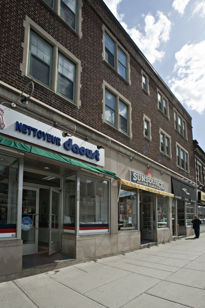 General office for rent in Westmount at 4814-4824 Sherbrooke West - Photo 02 - RentersPages – L12808