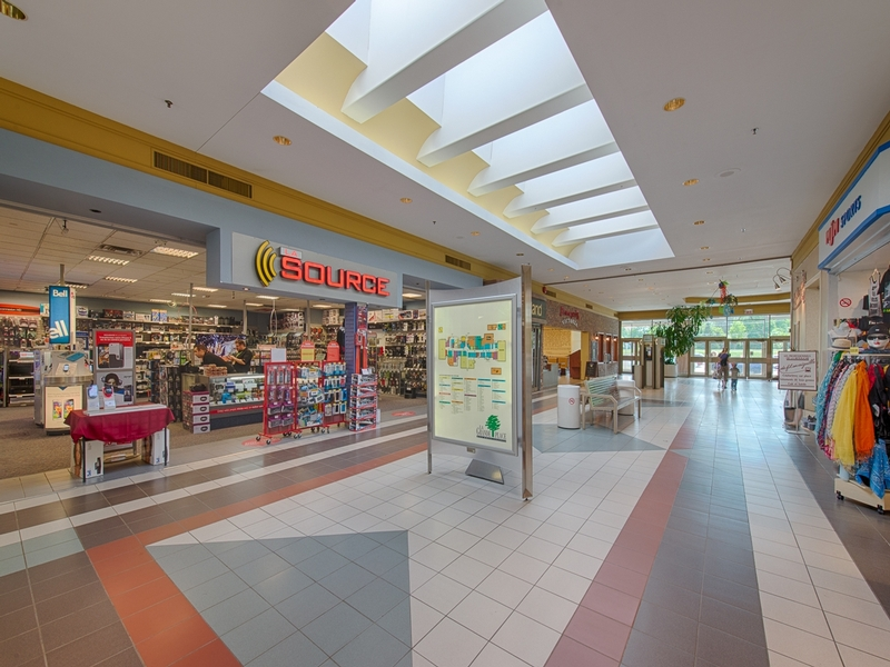 Shopping center for rent in Victoriaville at Grande-Place-Des-Bois-Francs - Photo 06 - RentersPages – L180996