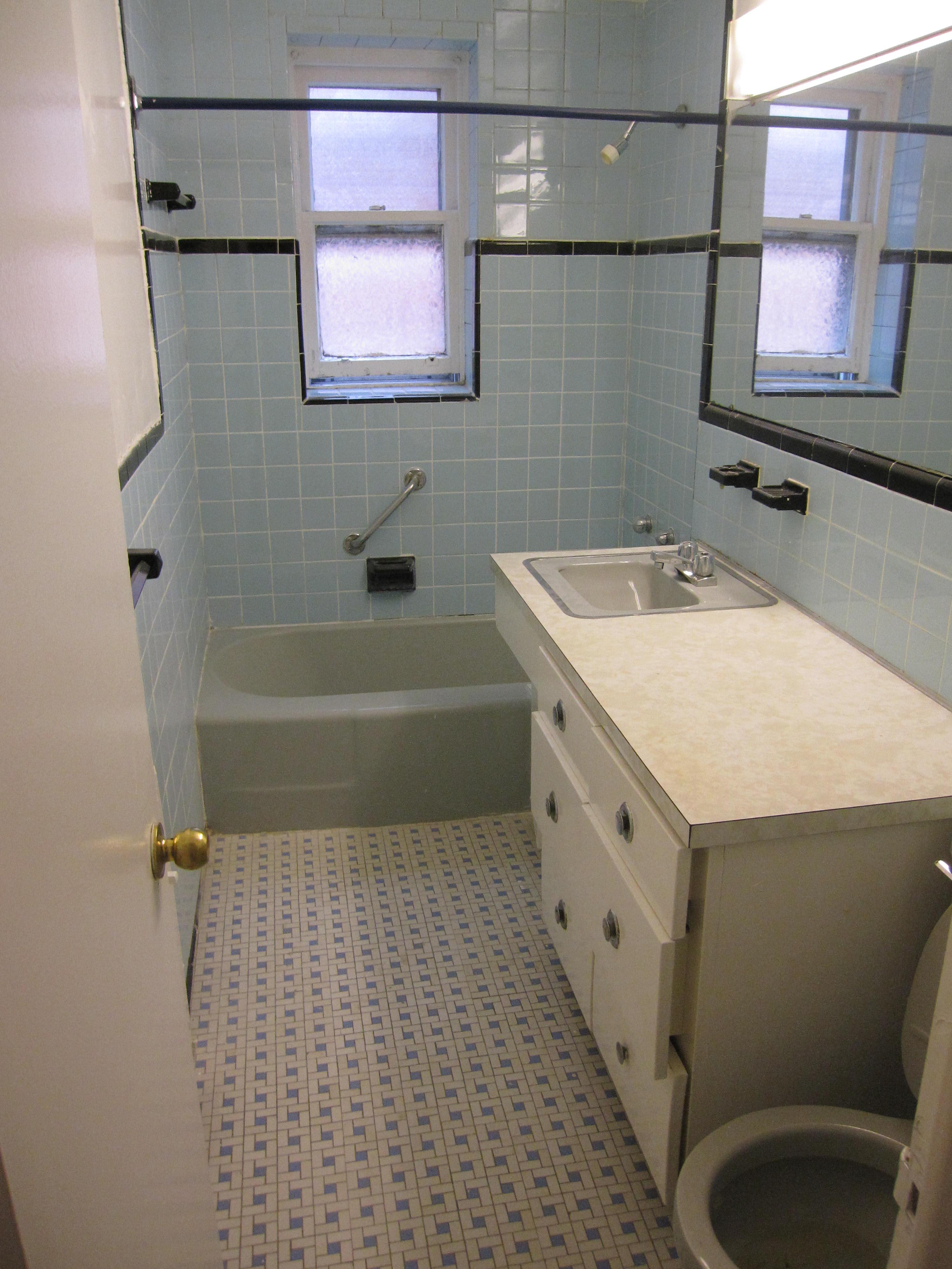 2 bedroom Apartments for rent in Notre-Dame-de-Grace at 4635 Clanranald - Photo 01 - RentersPages – L23639