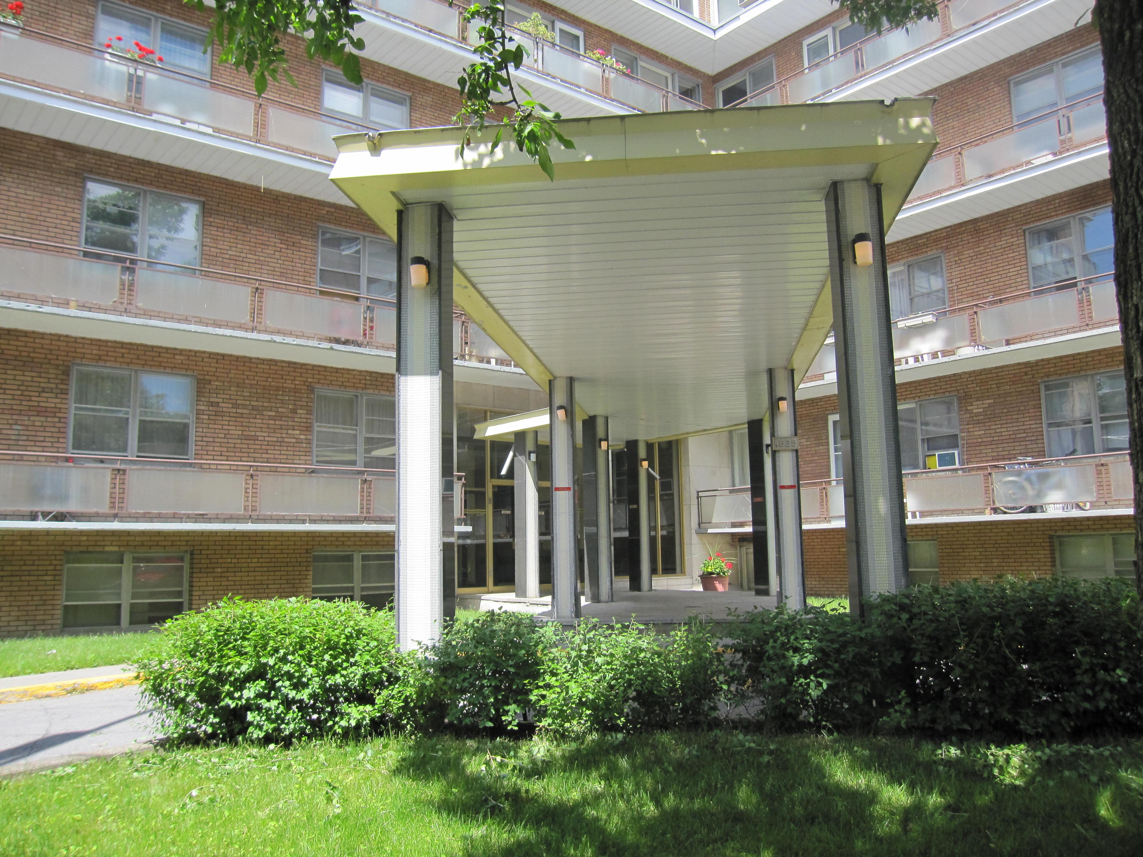 2 bedroom Apartments for rent in Notre-Dame-de-Grace at 4635 Clanranald - Photo 04 - RentersPages – L23639