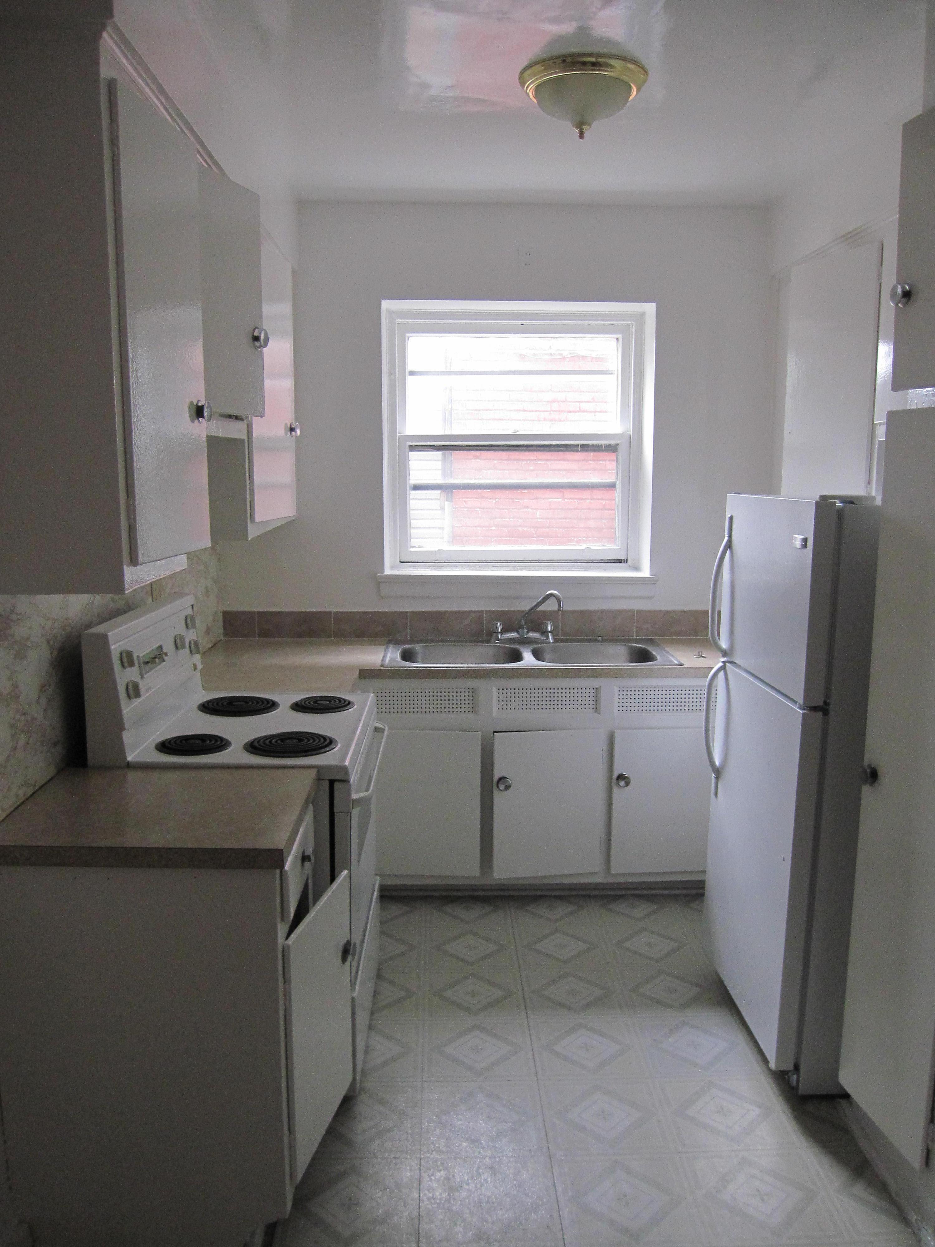 2 bedroom Apartments for rent in Notre-Dame-de-Grace at 4635 Clanranald - Photo 05 - RentersPages – L23639