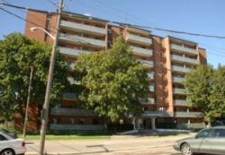 1 bedroom Apartments for rent in Mississauga at 1020 Shaw Drive - Photo 01 - RentersPages – L4570
