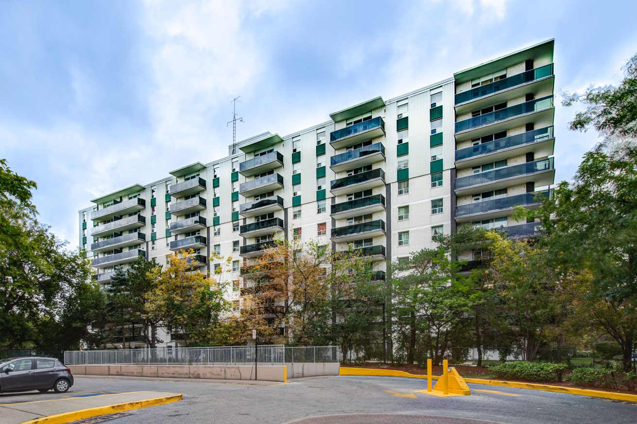 1 bedroom Apartments for rent in Mississauga at Embassy Apartments - Photo 03 - RentersPages – L138718