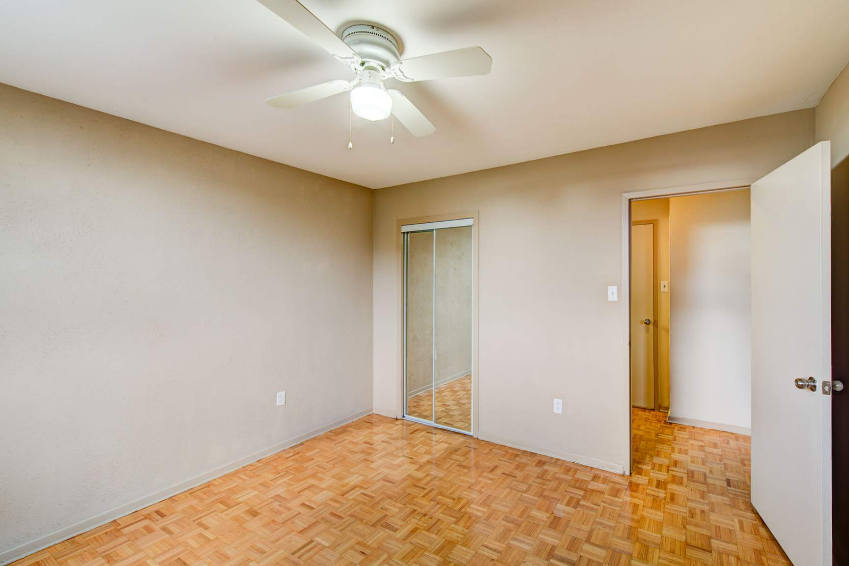 1 bedroom Apartments for rent in Mississauga at Embassy Apartments - Photo 12 - RentersPages – L138718