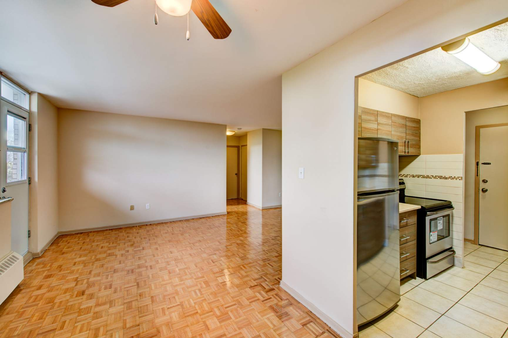 1 bedroom Apartments for rent in Mississauga at Embassy Apartments - Photo 10 - RentersPages – L138718