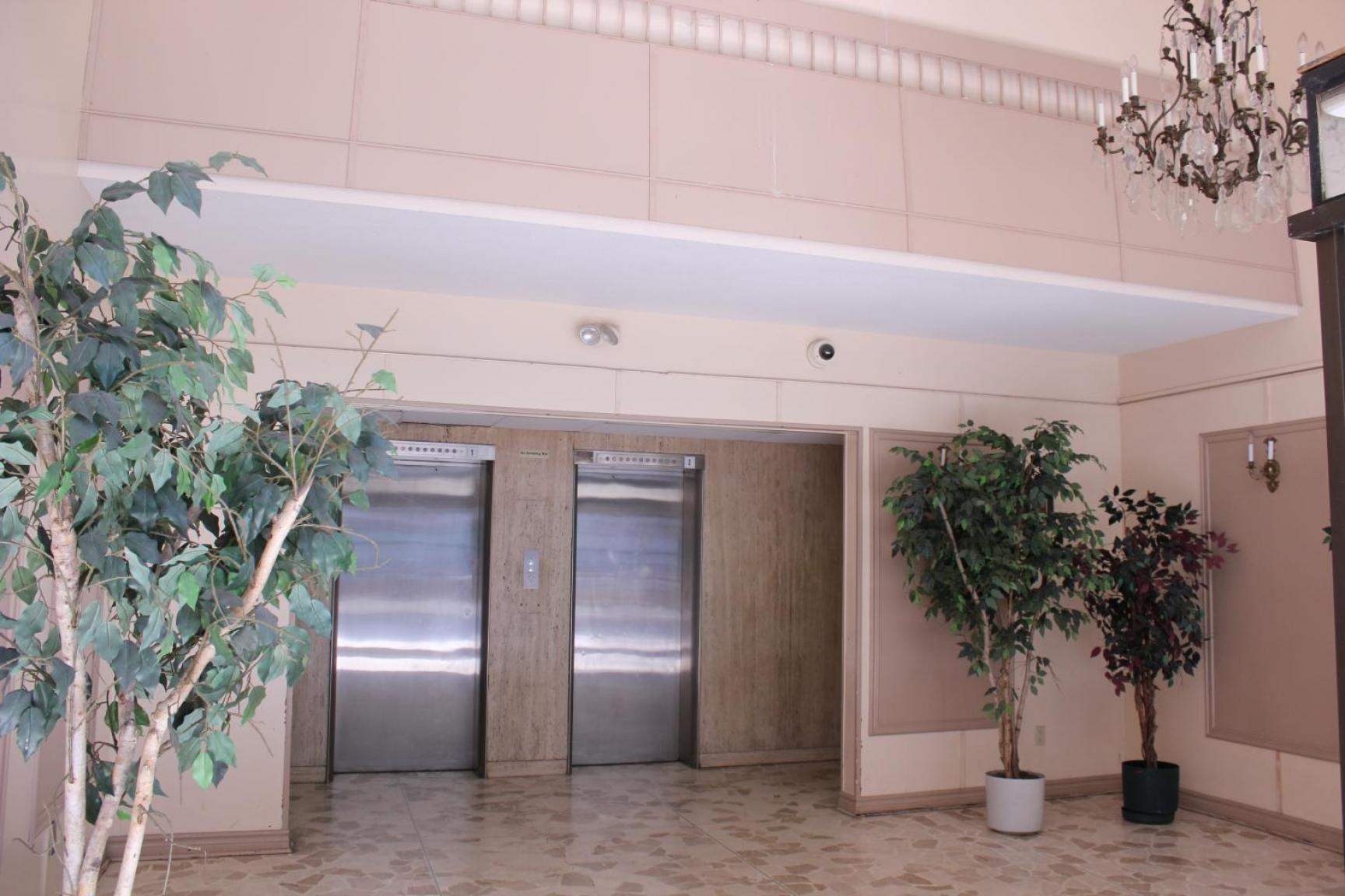 1 bedroom Apartments for rent in Mississauga at Embassy Apartments - Photo 04 - RentersPages – L138718
