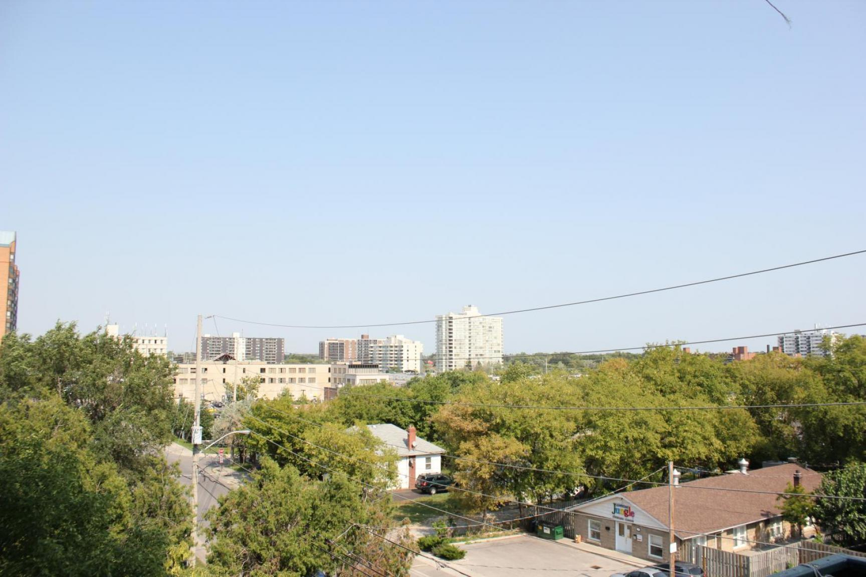 1 bedroom Apartments for rent in Mississauga at Embassy Apartments - Photo 05 - RentersPages – L138718