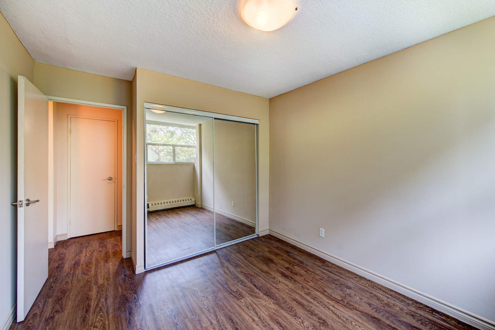 1 bedroom Apartments for rent in Mississauga at Embassy Apartments - Photo 19 - RentersPages – L138718