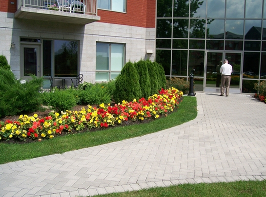 2 bedroom Independent living retirement homes for rent in Laval at Les Jardins de Renoir - Photo 09 - RentersPages – L19478