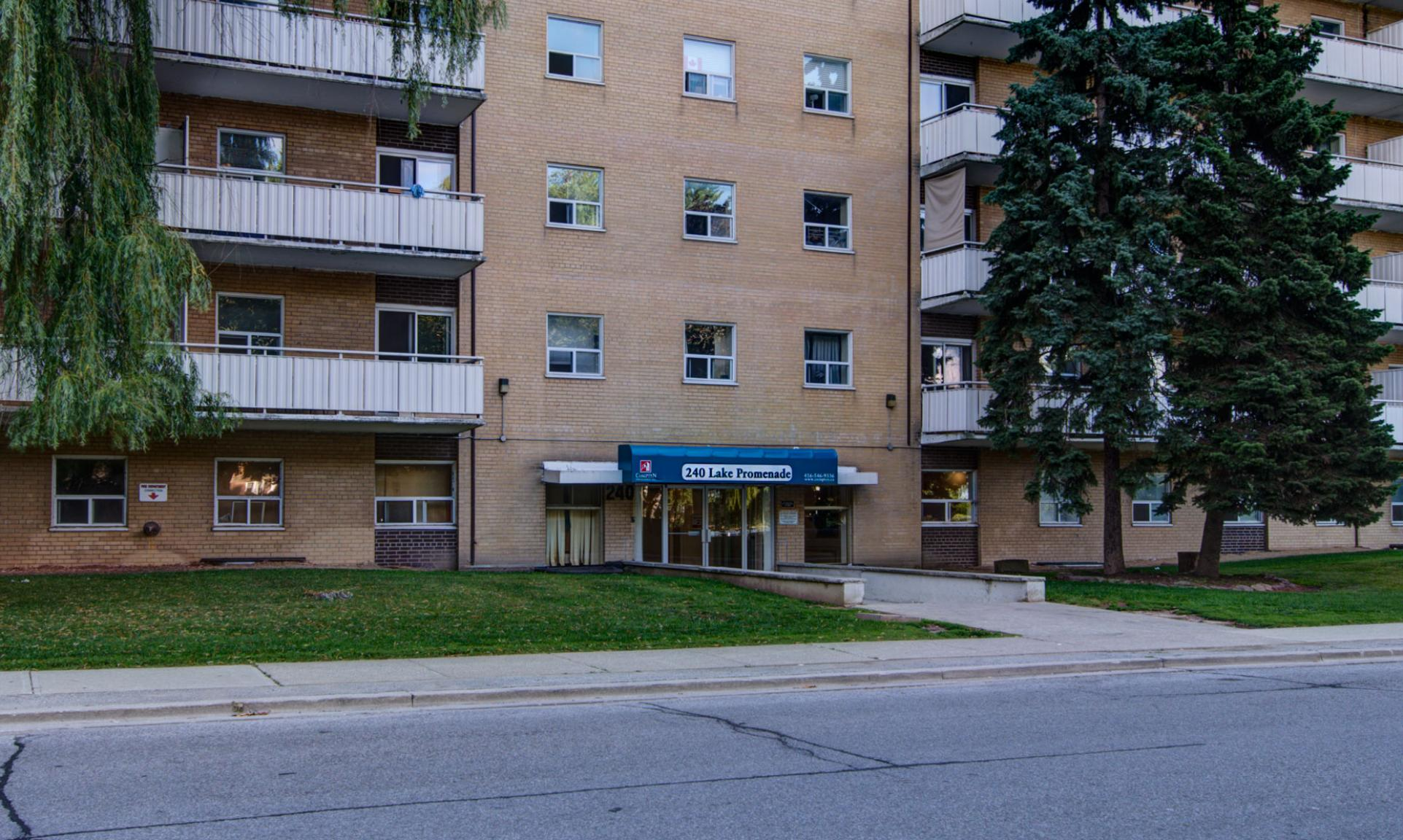 Studio / Bachelor Apartments for rent in Toronto at Lake Promenade Community - Photo 20 - RentersPages – L166815