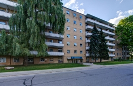 Studio / Bachelor Apartments for rent in Toronto at Lake Promenade Community - Photo 01 - RentersPages – L166815
