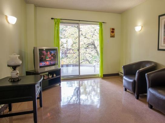 Studio / Bachelor Independent living retirement homes for rent in Hochelaga-Maisonneuve at Manoir Louisiane - Photo 06 - RentersPages – L19529