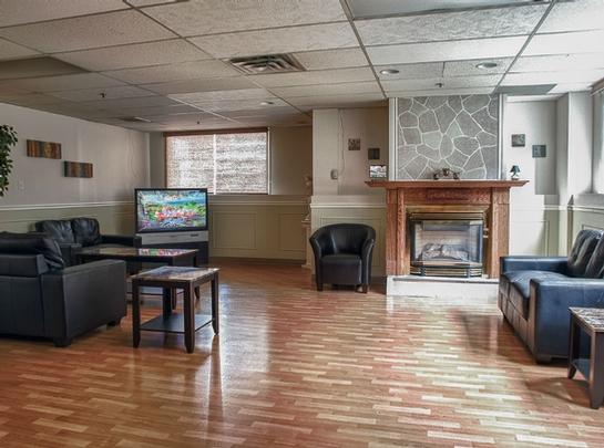 Studio / Bachelor Independent living retirement homes for rent in Hochelaga-Maisonneuve at Manoir Louisiane - Photo 07 - RentersPages – L19529