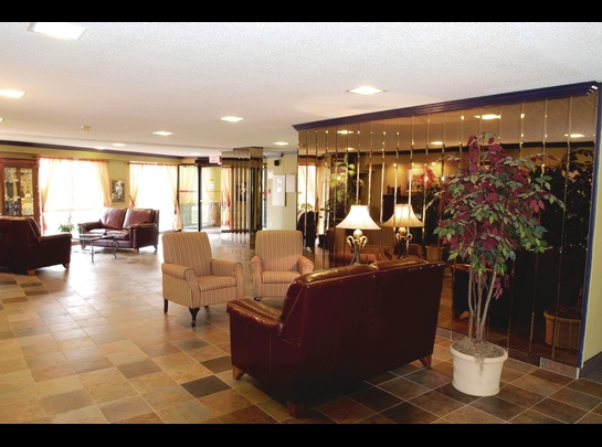 2 bedroom Independent living retirement homes for rent in Quebec City at Manoir Manrese - Photo 03 - RentersPages – L19583