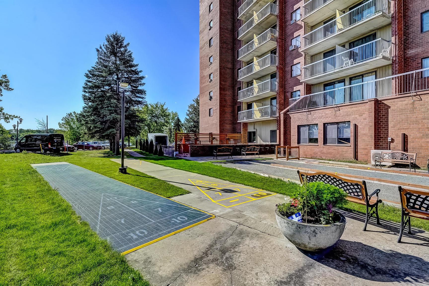 1 bedroom Apartments for rent in Laval at Le Quatre Cent - Photo 27 - RentersPages – L407183