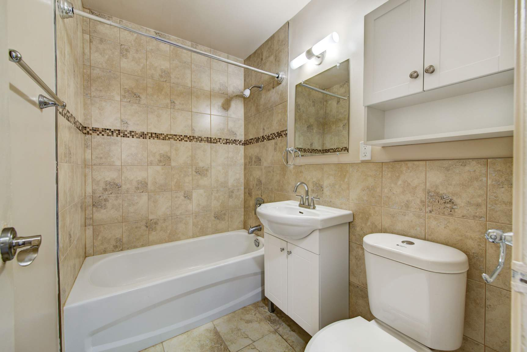 Studio / Bachelor Apartments for rent in Toronto at Lake Promenade Community - Photo 15 - RentersPages – L400279
