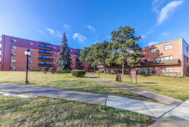 2 bedroom Apartments for rent in Etobicoke at West Park Village - Photo 01 - RentersPages – L395790