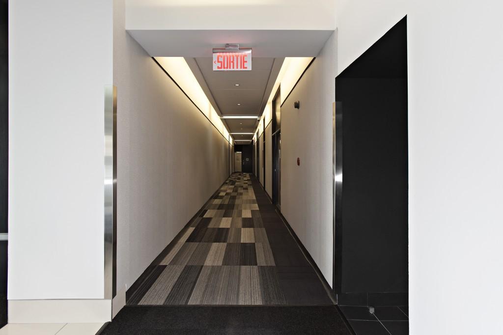 General office for rent in Ville St-Laurent - Bois-Franc at 750 Marcel Laurin - Photo 03 - RentersPages – L12785