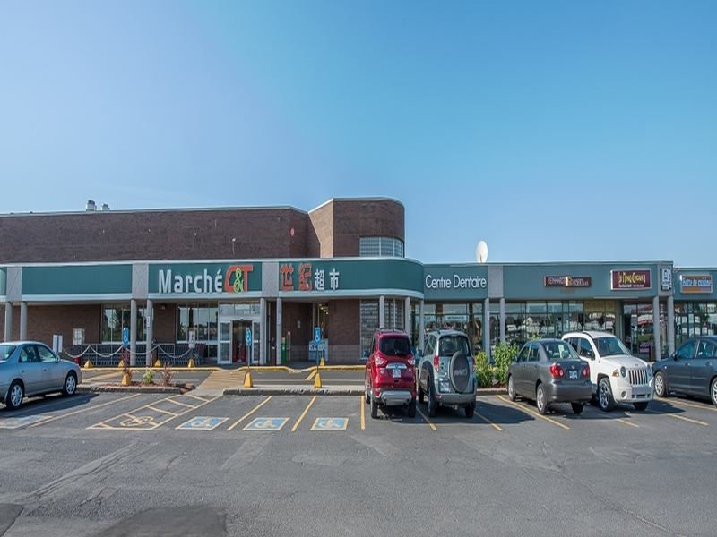 Shopping center for rent in Brossard at Carrefour Pelletier - Photo 07 - RentersPages – L179955