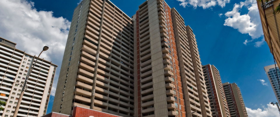 Junior 1 bedroom Apartments for rent in Toronto at Sherbourne Complex - Photo 01 - RentersPages – L225034