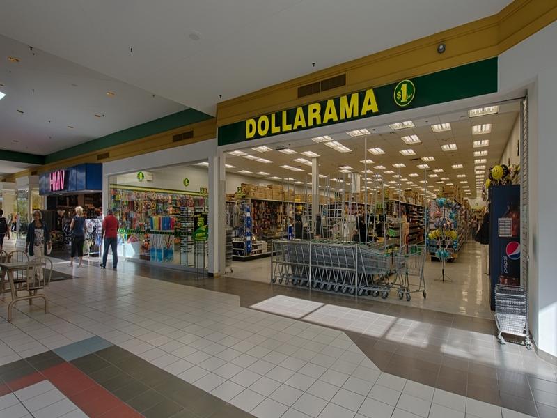 Shopping center for rent in Victoriaville at Grande-Place-Des-Bois-Francs - Photo 02 - RentersPages – L180995