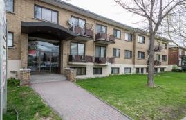 1 bedroom Apartments for rent in Ville St-Laurent - Bois-Franc at 1045 Alexis Nihon - Photo 01 - RentersPages – L10041