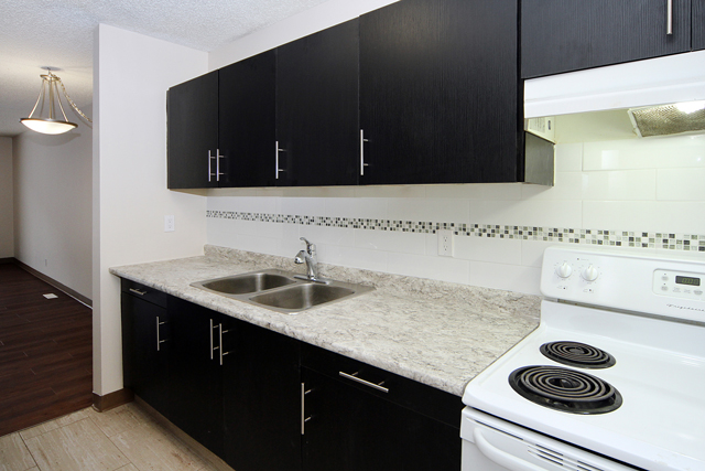 2 bedroom Apartments for rent in Calgary at Queens Park Village - Photo 08 - RentersPages – L395694