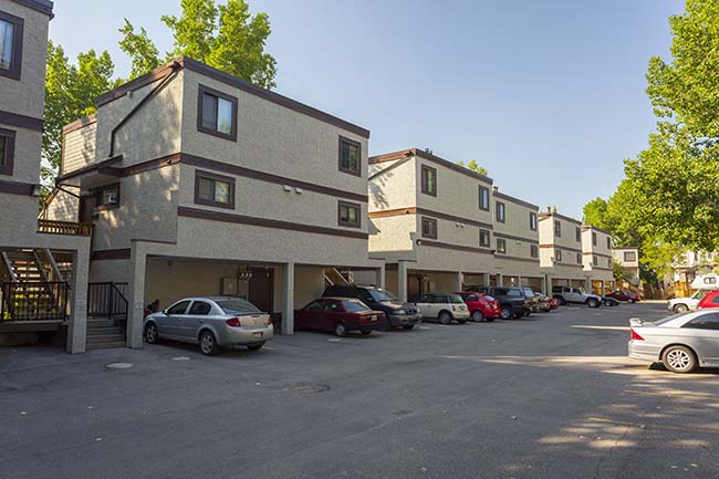 2 bedroom Apartments for rent in Calgary at Queens Park Village - Photo 03 - RentersPages – L395694