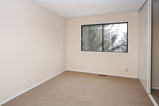2 bedroom Apartments for rent in Calgary at Queens Park Village - Photo 09 - RentersPages – L395694