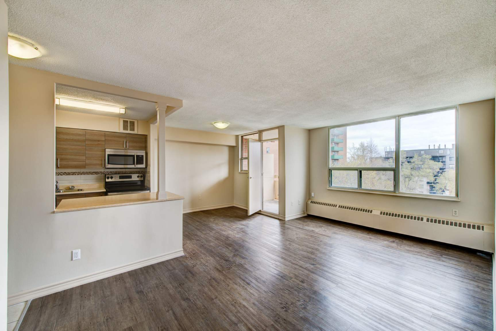 Studio / Bachelor Apartments for rent in Mississauga at Elizabeth Tower - Photo 10 - RentersPages – L401230