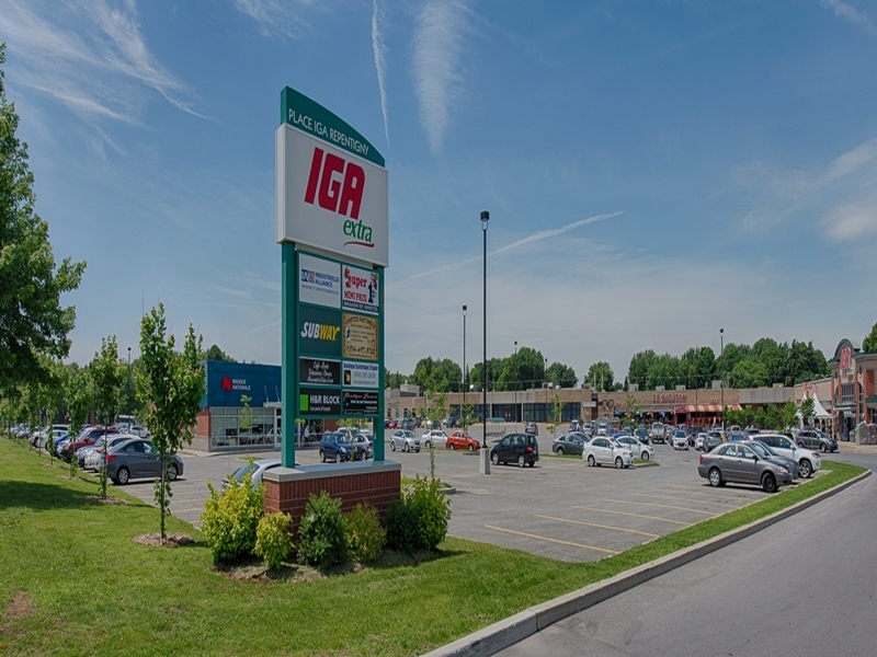 Shopping center for rent in Repentigny at Place-Repentigny - Photo 03 - RentersPages – L181012