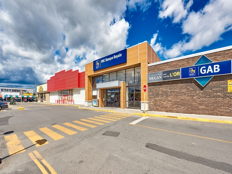 Shopping center for rent in Montreal-North at Forest-Shopping-Center - Photo 03 - RentersPages – L181582