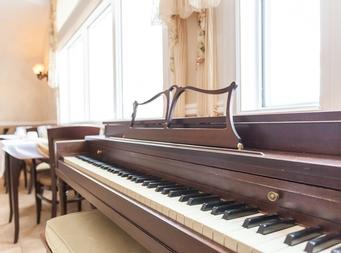 Studio / Bachelor Independent living retirement homes for rent in Magog at Residence Memphremagog - Photo 02 - RentersPages – L19096