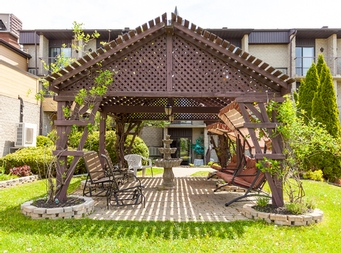 Studio / Bachelor Independent living retirement homes for rent in Magog at Residence Memphremagog - Photo 03 - RentersPages – L19096