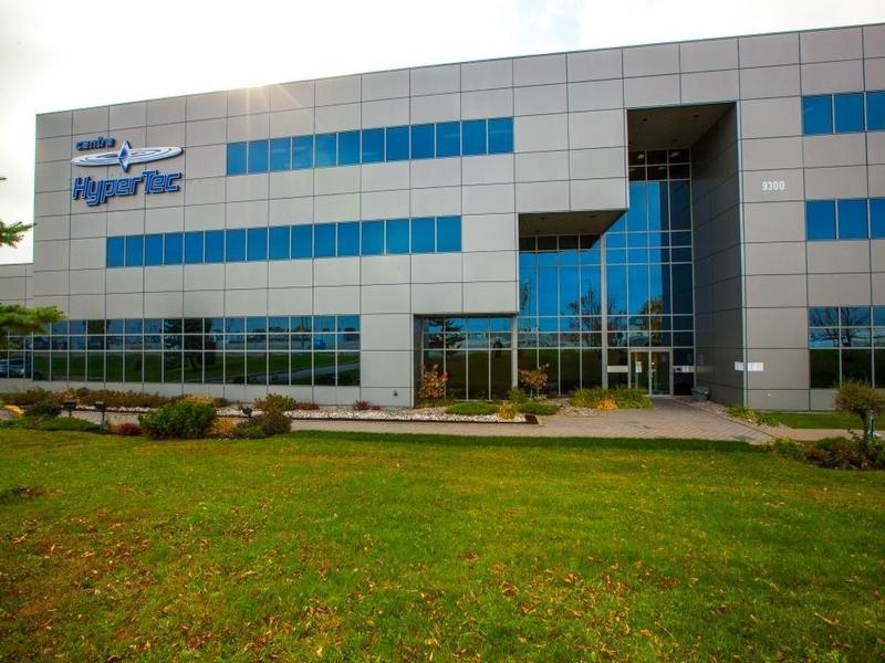 General office for rent in Ville St-Laurent - Bois-Franc at Hypertec-Center - Photo 01 - RentersPages – L181001