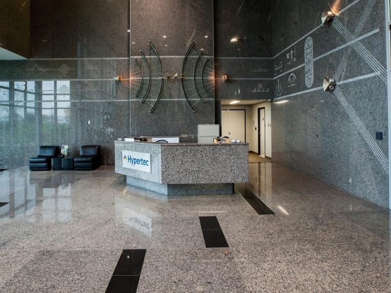General office for rent in Ville St-Laurent - Bois-Franc at Hypertec-Center - Photo 04 - RentersPages – L181001